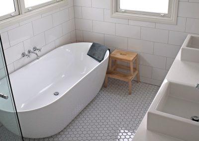 Home_banner_anne_bathroom