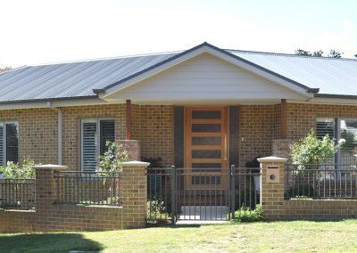 home_banner_morcom_facade